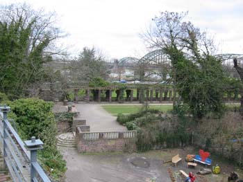 an impression of the outdoor area, with the South Bridge in the background